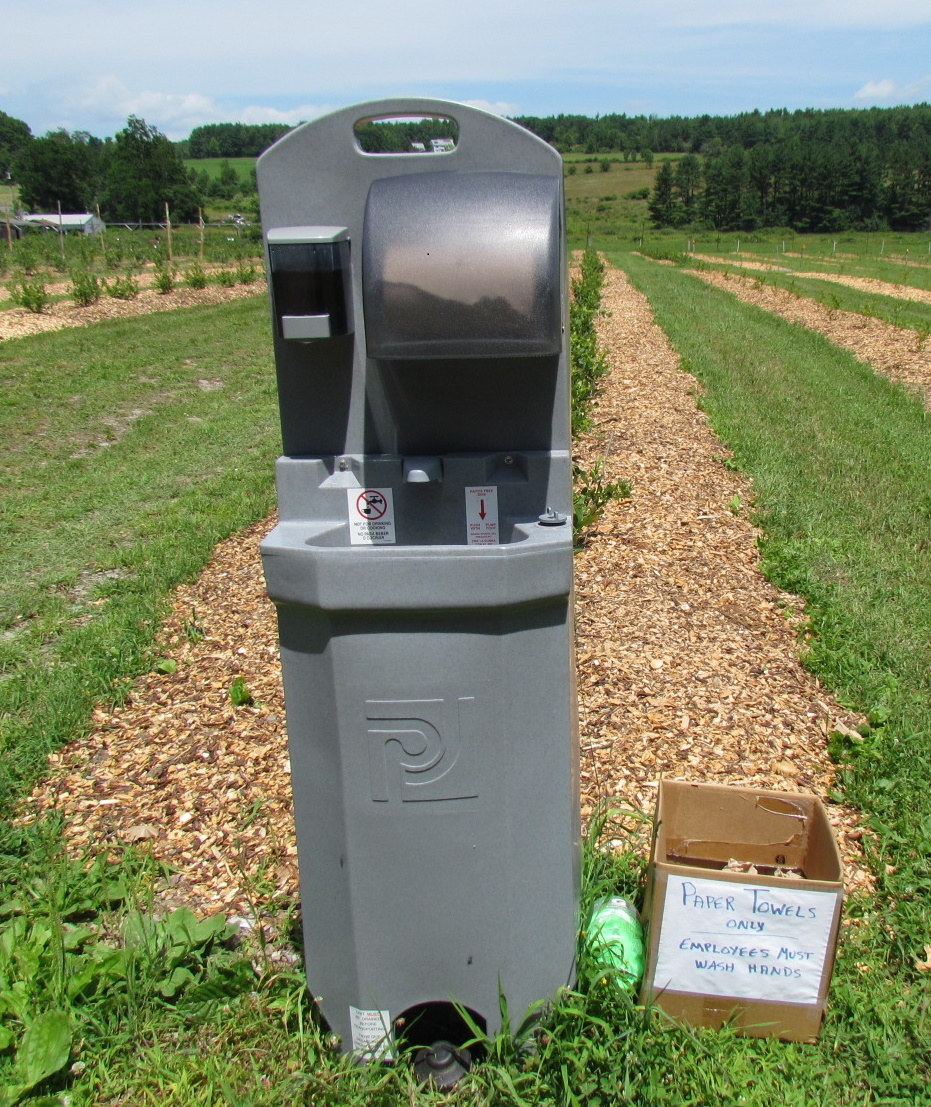 Picture of rented handwashing unit at a Upick farm